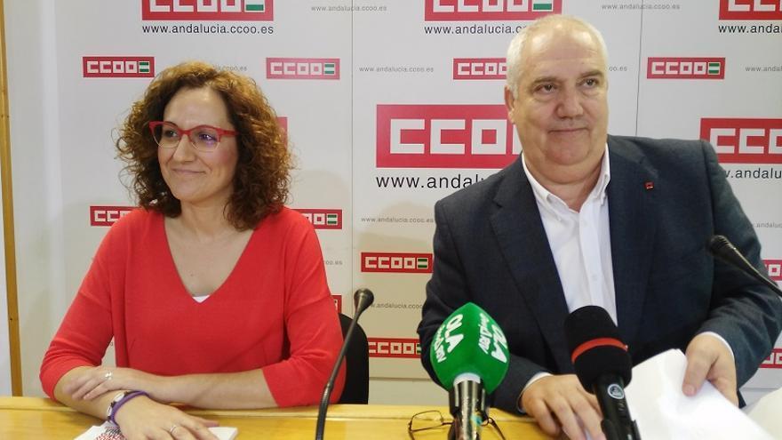 Nuria López y Paco Carbonero, este viernes en rueda de prensa en Sevilla