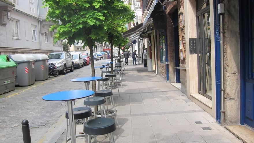 A Ceruti se le complica el plan para ampliar terrazas: la alcaldesa no lo ve tan fácil y los vecinos se oponen