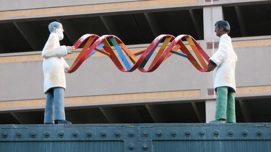 Los científicos saben modificar el genoma de organismos vivos desde los años setenta