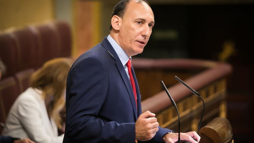 El Congreso insta al Gobierno a reforzar la independencia e imparcialidad de los funcionarios de la Administración Local