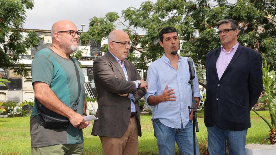 Francisco González, el presidente del Cabildo, Antonio Morales, el investigador Javier Márquez y el concejal Javier Doreste
