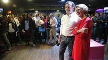 El candidato andaluz de UPyD, Martín de la Herrán, junto a Rosa Díez.
