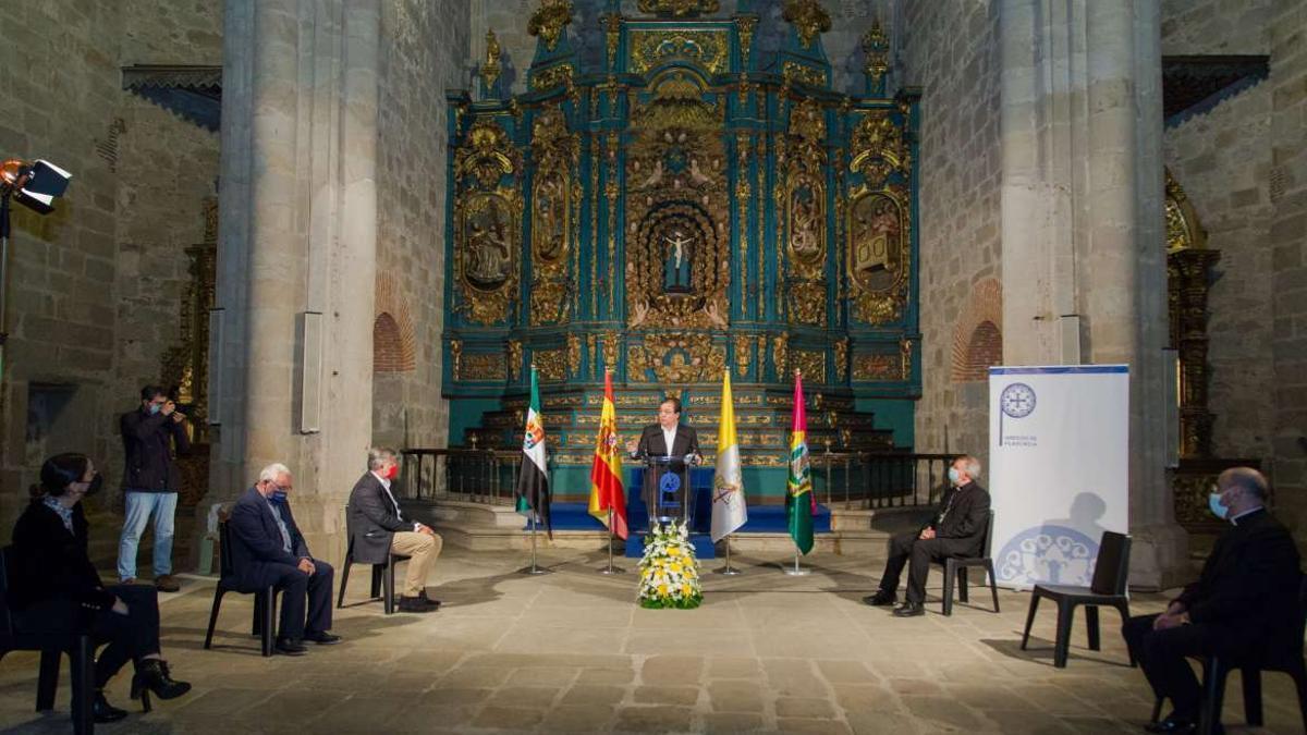 El presidente de Extremadura, Guillermo Fernández Vara, ha participado este lunes en la firma del acuerdo
