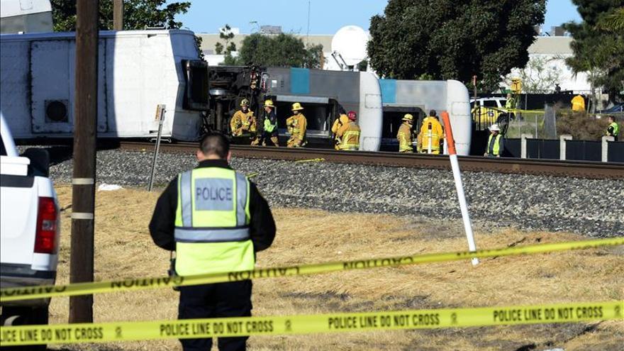 Al menos 50 heridos al descarrilar un tren en Filadelfia