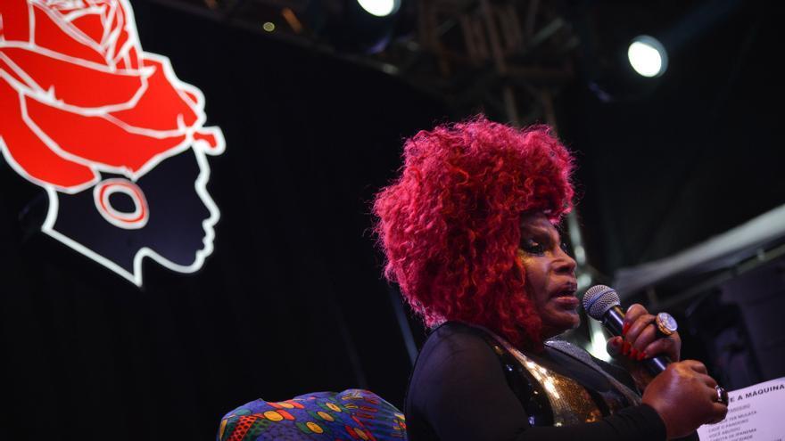 Elza Soares, durante una actuación