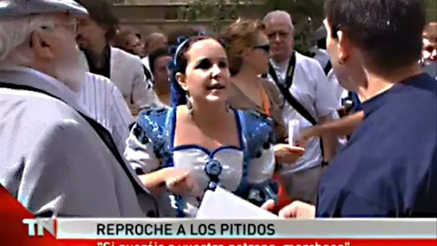 Los bomberos madrileños no abuchearon a Ana Botella sino que fueron los abucheados, según Telemadrid