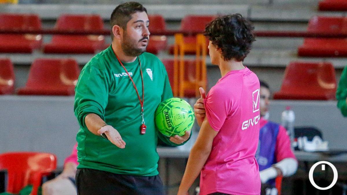 Josán González en un entrenamiento del Córdoba Futsal