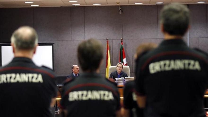 Amigos de Cabacas aseguran que los ertzainas dispararon indiscriminadamente
