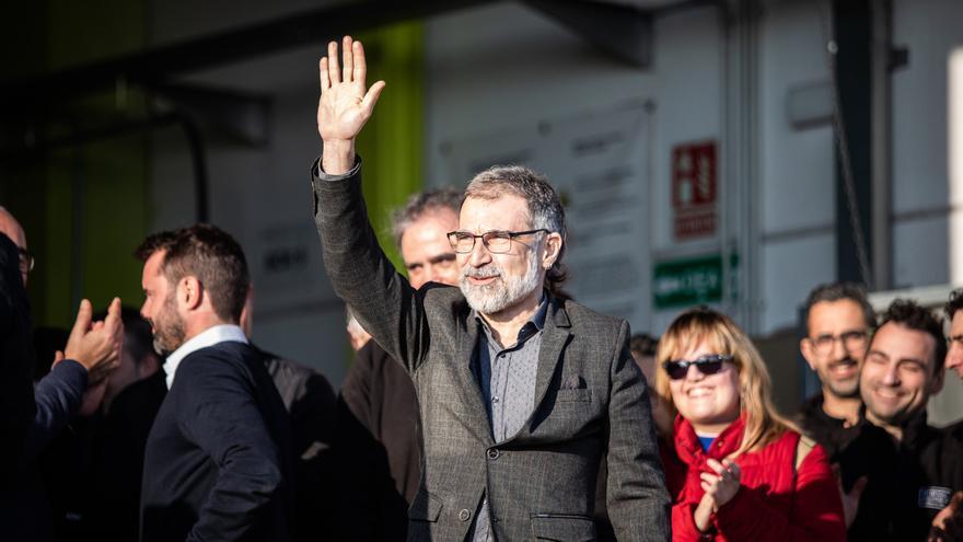 Cuixart sale de la cárcel para ir a trabajar a su empresa en Sentmenat (Barcelona)