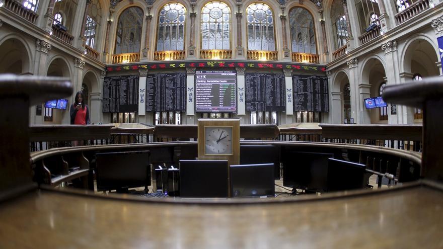 La Bolsa española comienza la sesión con ganancias y el IBEX sube el 0,44 por ciento