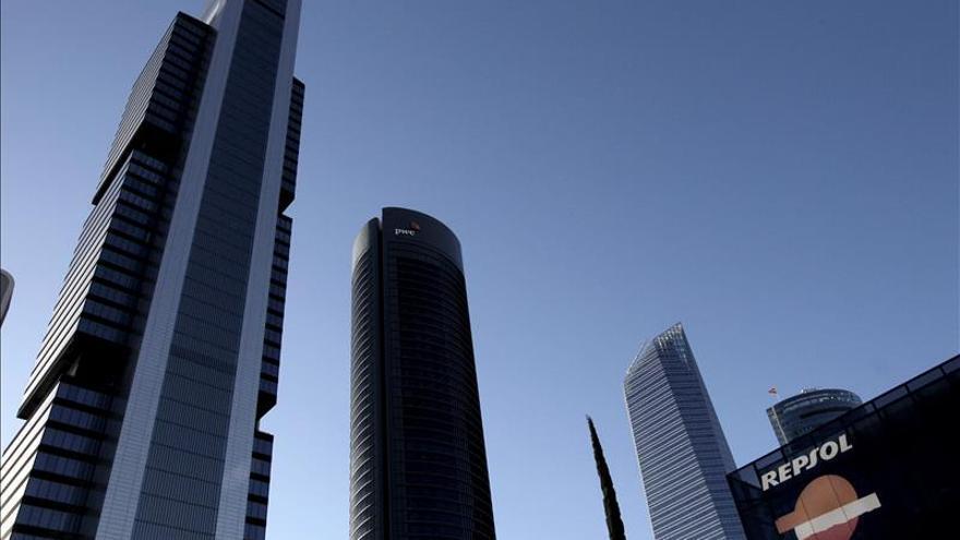 Repsol vende a Ardian el 10 % de CLH con plusvalías de 300 millones
