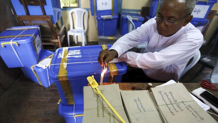 """Los partidos birmanos """"suspenden"""" en derechos humanos, según un informe"""