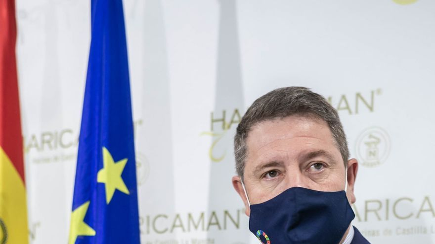 El presidente autonómico, Emiliano García-Page, visita en la localidad toledana de Añover de Tajo, las instalaciones de la empresa HARICAMAN