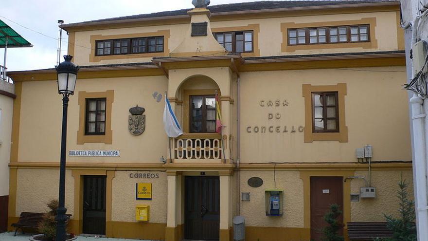 Casa consistorial de Riotorto / Xas