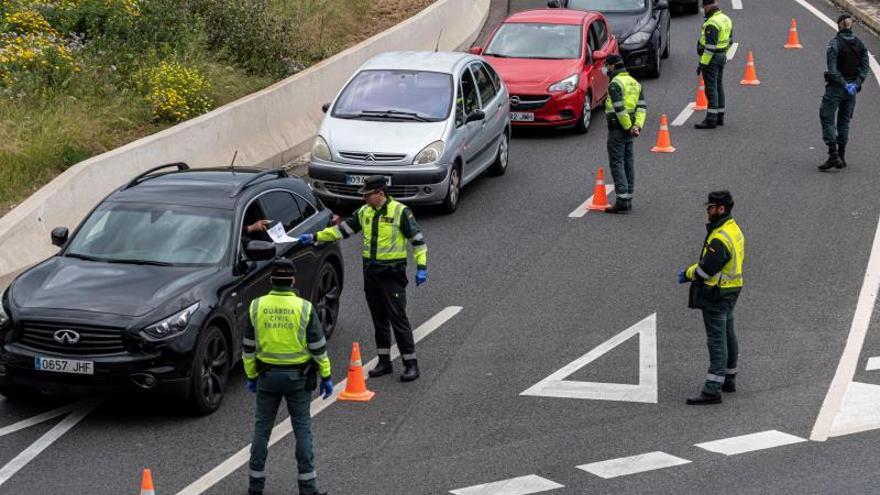 Más de 11.000 controles en carreteras con 104.700 coches vigilados