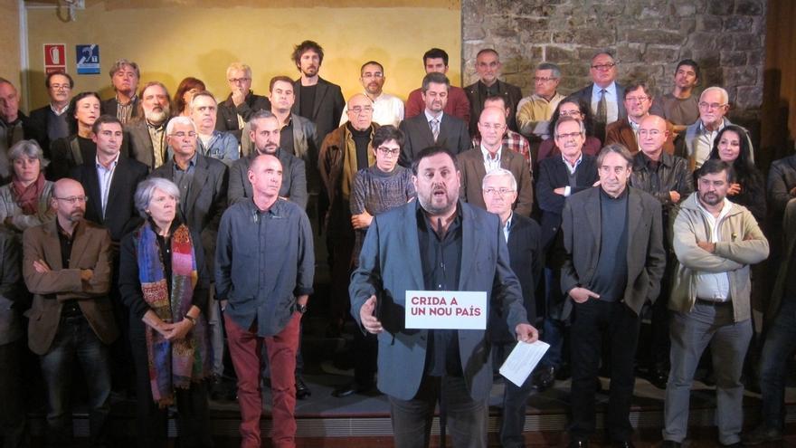 Junqueras pide elecciones, Govern unitario y referéndum sobre una constitución catalana