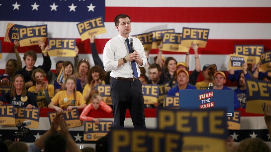 Pete Buttigieg hace campaña en Iowa de cara a las elecciones primarias celebradas este lunes.