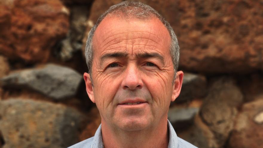 Paco Déniz, sociólogo y diputado regional.