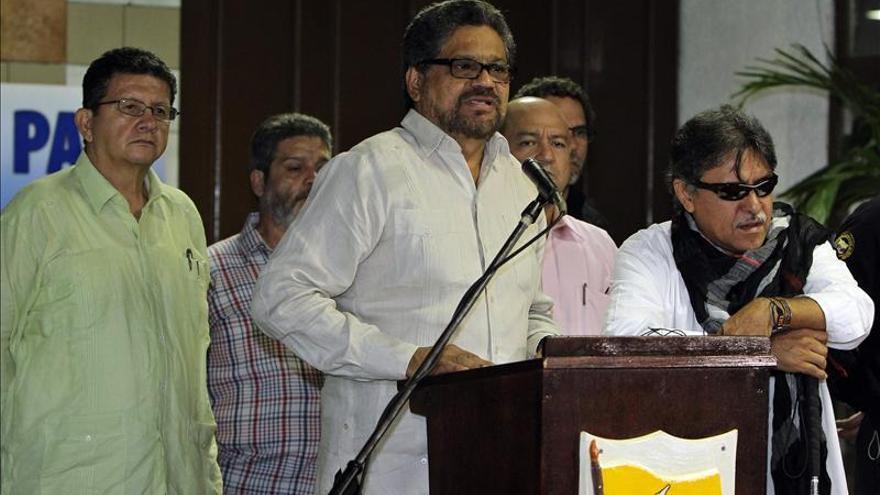 Las FARC piden que se cumplan los protocolos para poder liberar el martes a los secuestrados