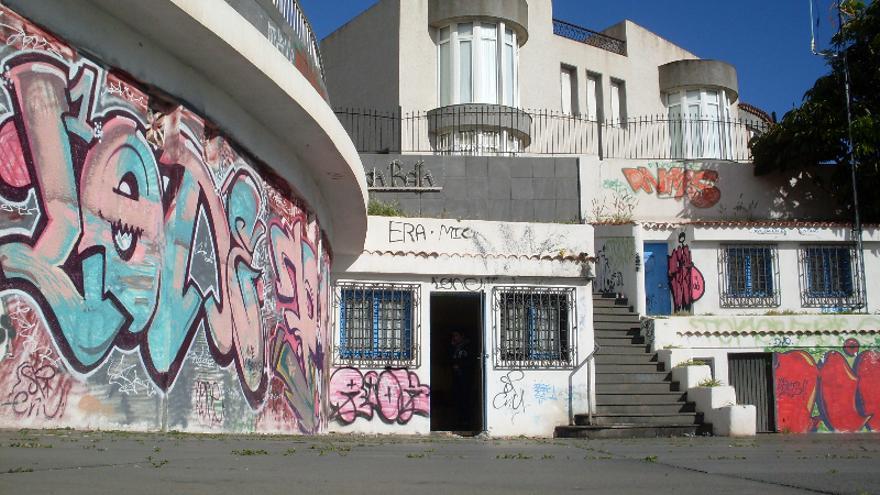 La fachada de la sede de Ayuda en Emergencias Anaga