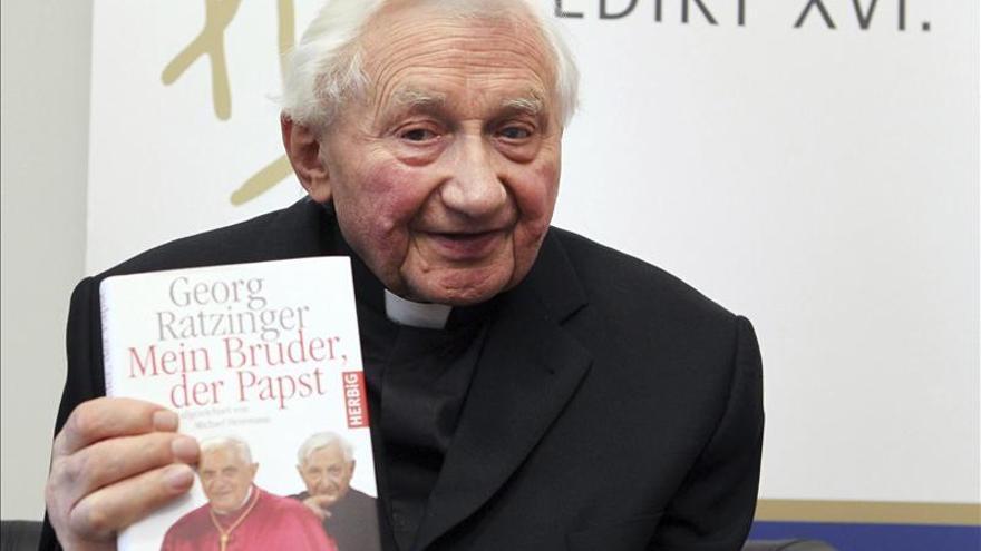Georg Ratzinger dice que su hermano se retira por motivos de  salud y edad