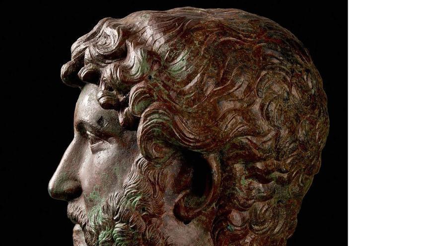 Busto de Adriano, emperador de Roma