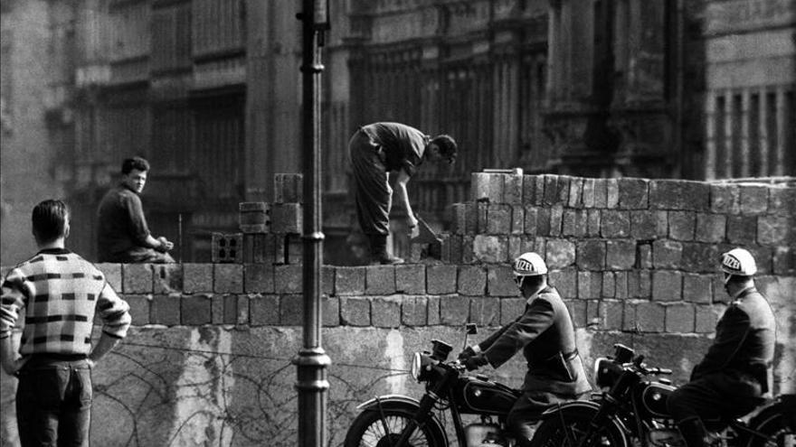 Berlín conmemora el inicio del levantamiento del muro que la dividió durante 28 años
