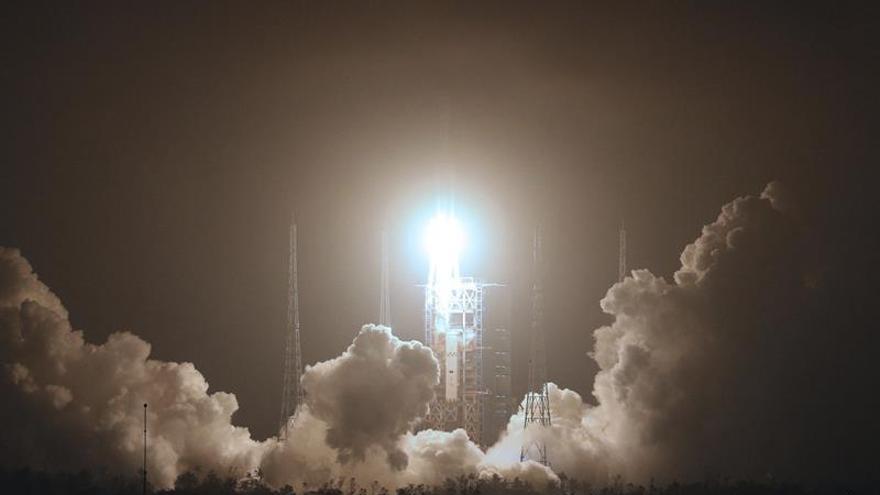 China da un nuevo paso en su ambición espacial con su primera nave de carga
