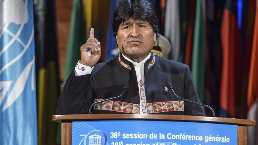Morales regresa de Europa satisfecho por acuerdos logrados y trato de respeto