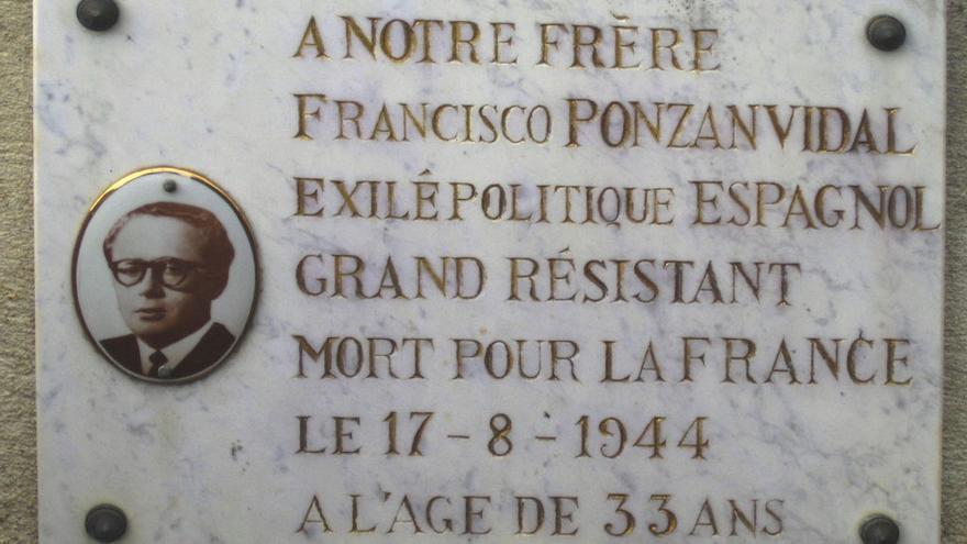 Placa en el cementerio de Buzet, cerca de Toulouse, en recuerdo de Francisco Ponzán.