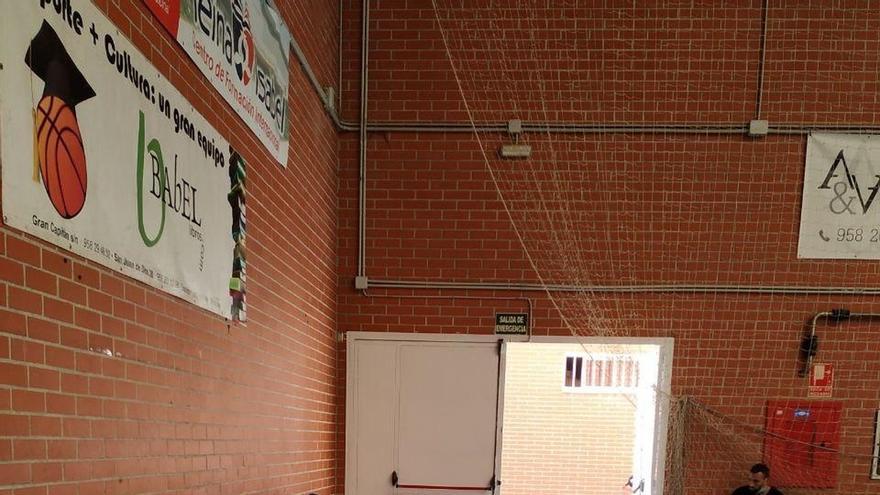 """Denuncian ante el Defensor del Pueblo el """"abandono"""" de 16 inmigrantes en Granada tras llegar en patera"""
