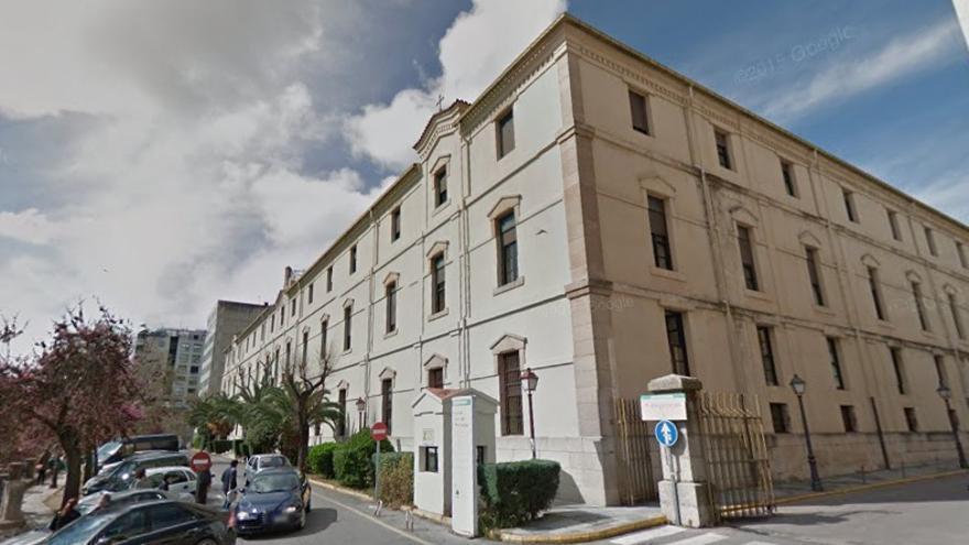 Hospital Provincial de Cáceres / Google Maps