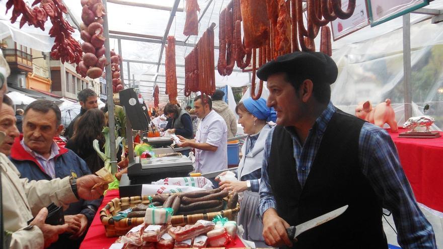 Bermeo acoge este domingo la XV feria de San Martín y el campeonato de morcilla