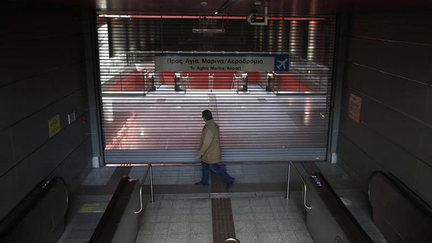 Nueva jornada de paros de los trabajadores del metro y el tranvía de Atenas