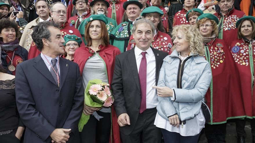 """La alpinista Edurne Pasaban asegura que desempeñará """"lo mejor posible"""" su papel de embajadora del orujo y Liébana"""