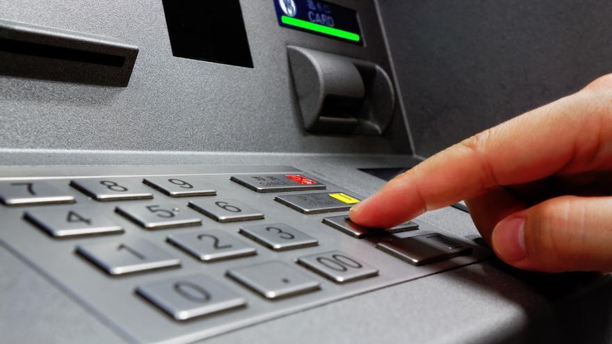 Imagen de archivo de un cajero de entidad bancaria
