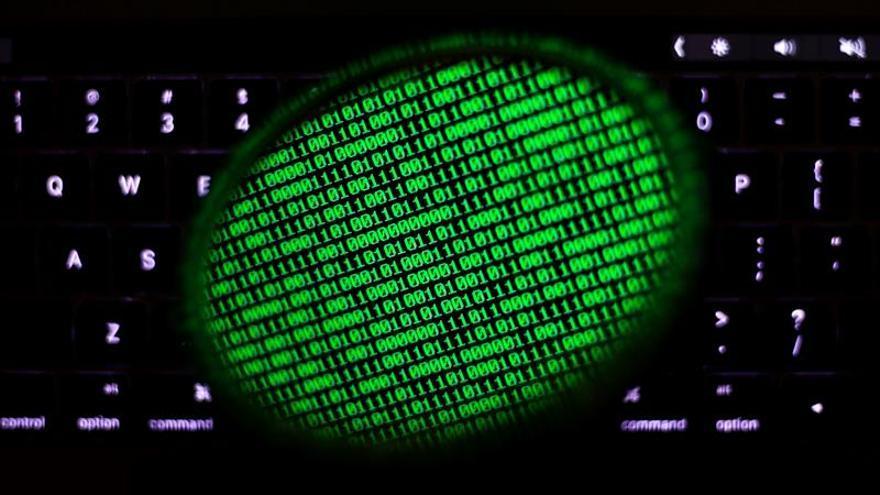 Ucrania dice que frenó el ciberataque y que controla la situación