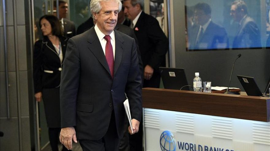 """Tabaré Vázquez defiende el """"potencial"""" de Uruguay para atraer más inversión"""