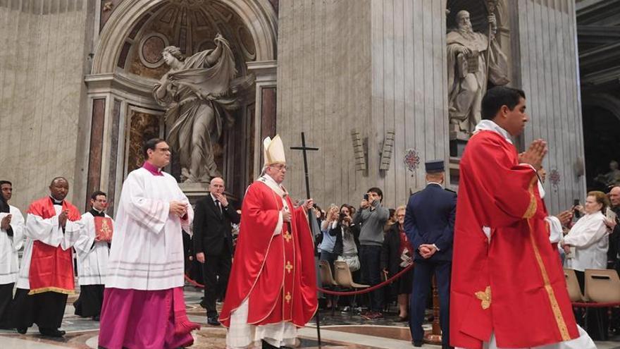 El papa firma estatuto de Academia para la defensa y protección de la vida