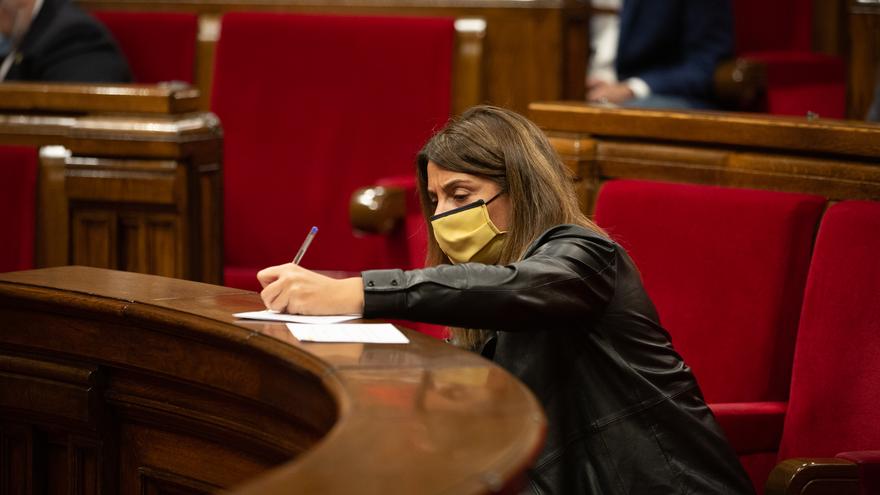 La portavoz del Govern, Meritxell Budó, en una sesión de control al Ejecutivo catalán en el Parlament, en Barcelona, Catalunya (España), a 4 de noviembre de 2020.