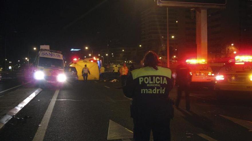 Dos víctimas mortales en un atropello de tres peatones en Madrid