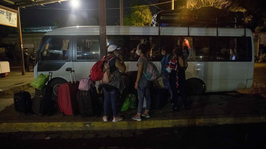 Nicaragüenses varados en Panamá sufren tristeza e incertidumbre, denuncia una ONG