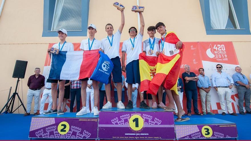 Alberto Morales y Miguel Bethencourt celebran el bronce obtenido