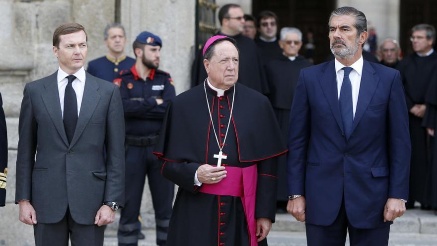 Pedro López Quesada junto a su cuñado, Pedro de Borbón, en el funeral del Infante Carlos de Borbón. Foto: GTRES