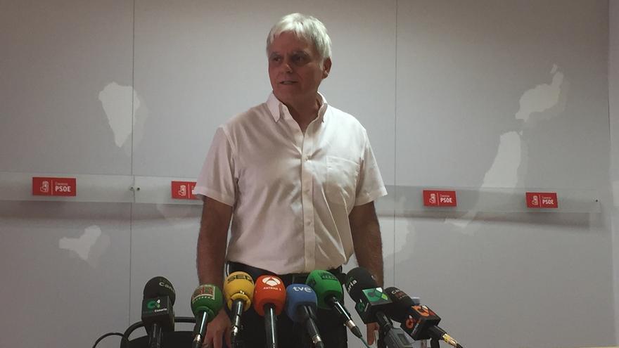 El PSOE achaca a una decisión personal la dimisión de su secretario general en Canarias y niega división