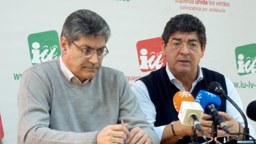 """Excargos de IULV-CA critican que Maíllo busque unirse a Podemos """"a cualquier precio"""" y sin acuerdo orgánico"""