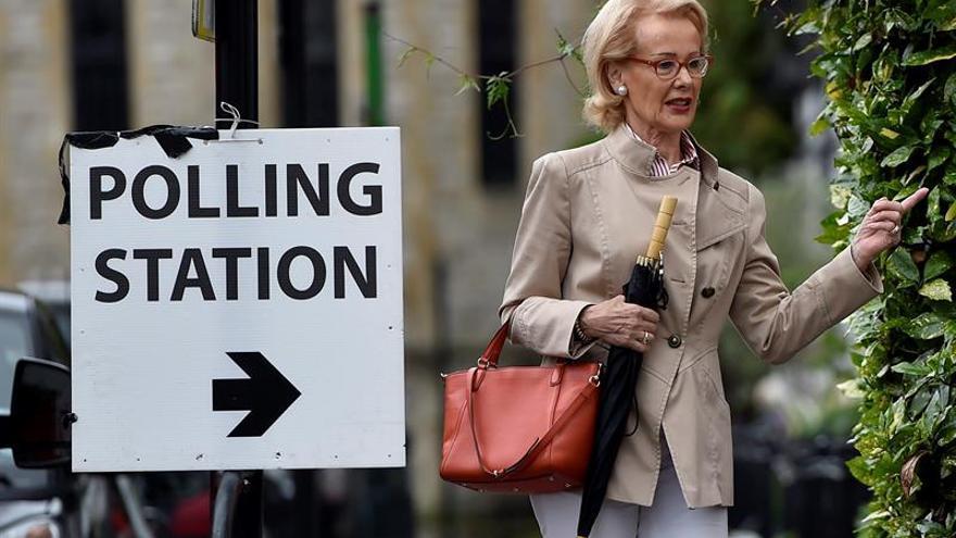 El Reino Unido pedirá documentos de identificación para votar en 2018