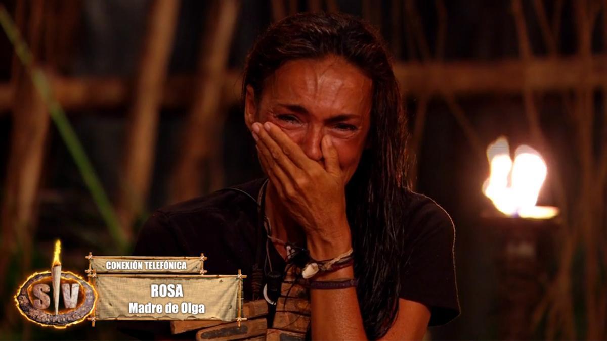 Olga Moreno, durante la llamada de su madre en 'Supervivientes'