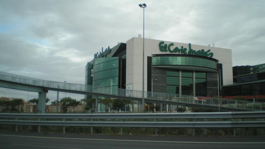 El Corte Inglés de Sanchinarro, visto desde la autopista