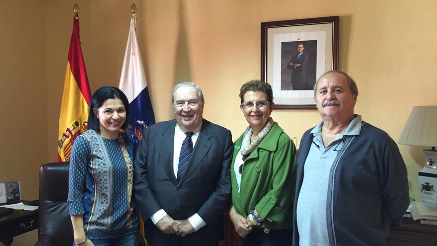 Isabel Santiago, Jerónimo Saavedra, Catalina Cárdenes y Domingo Rodríguez.